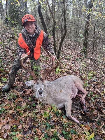 Ben Giffering (harvested by Father, Chris) 9 pt. 185 lbs. Zone 1
